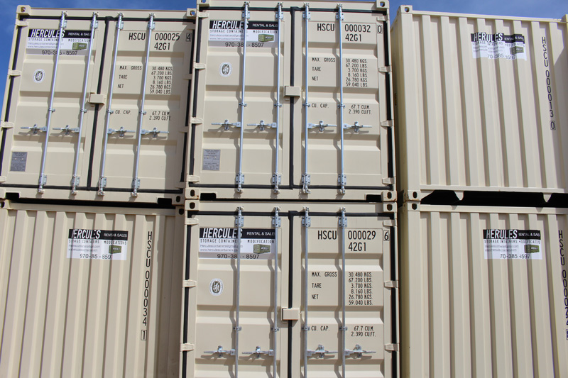 6 Stacked Containers
